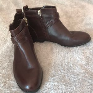 Alex Marie Brown Ankle Boots 7.5
